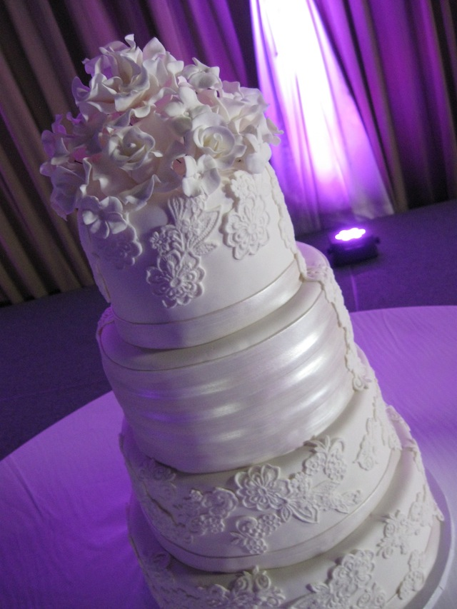 elegant cakes nashville weddings signature cakes vicki