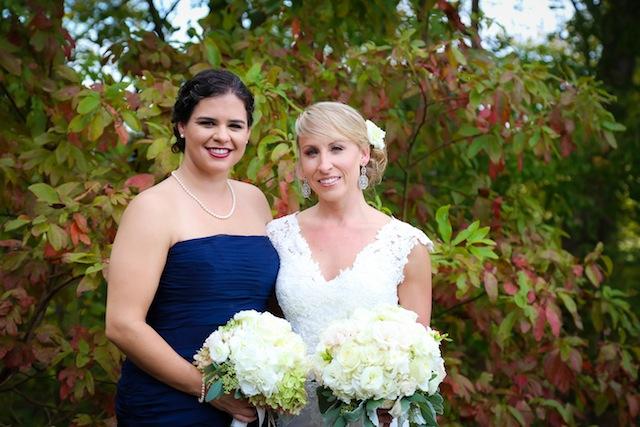 outdoor tennessee wedding, genus bridal gowns, genys florals