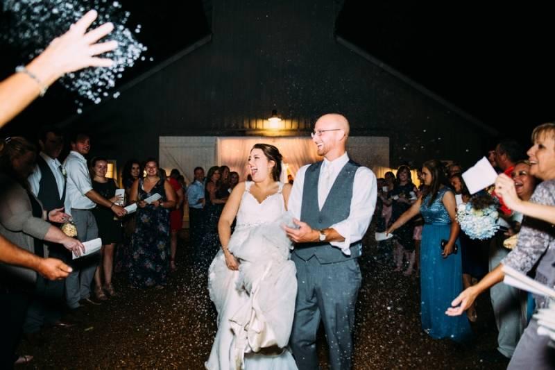 confetti wedding exit
