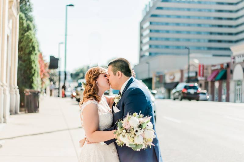To Have a First Look or Not? From Jet Set Planning featured on Nashville Bride Guide