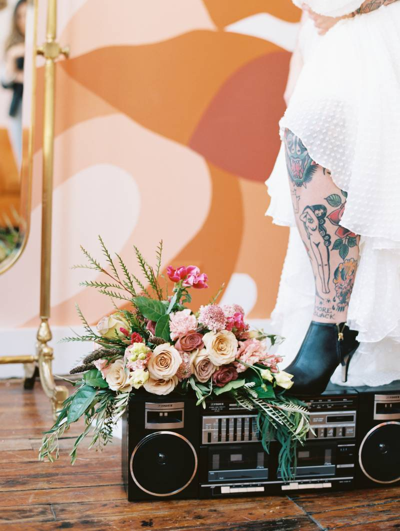 Trendy 70's wedding inspiration featured on Nashville Bride Guide!