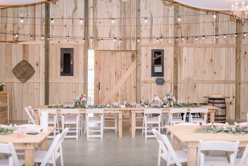 Barn wedding reception decor: Hidden Creek Farm Wedding featured on Nashville Bride Guide