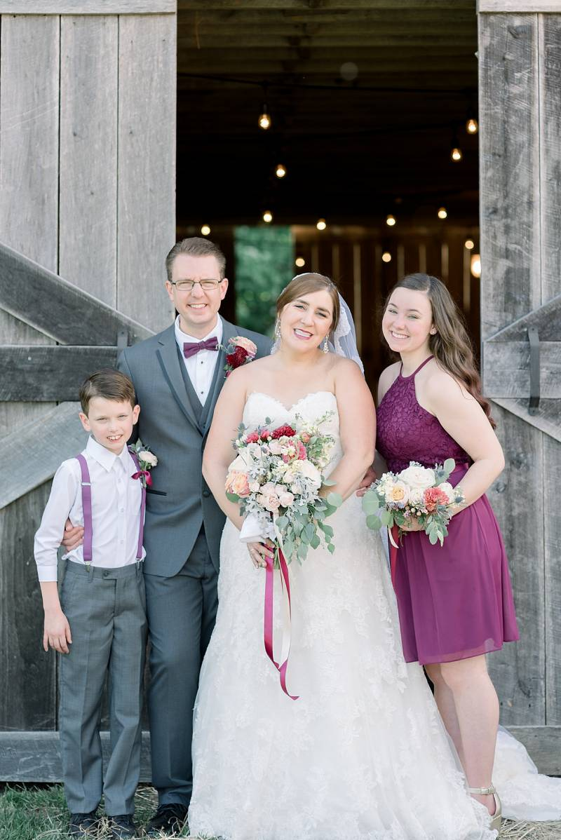 Wedding family portraits: Hidden Creek Farm Wedding featured on Nashville Bride Guide
