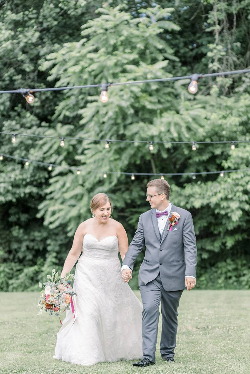 Outdoor wedding photo ideas: Hidden Creek Farm Wedding featured on Nashville Bride Guide