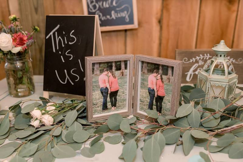 Wedding photo table: Hidden Creek Farm Wedding featured on Nashville Bride Guide