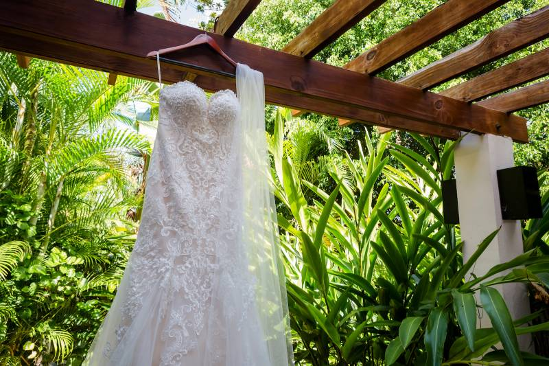 Lace wedding dress: Belize destination wedding featured on Nashville Bride Guide