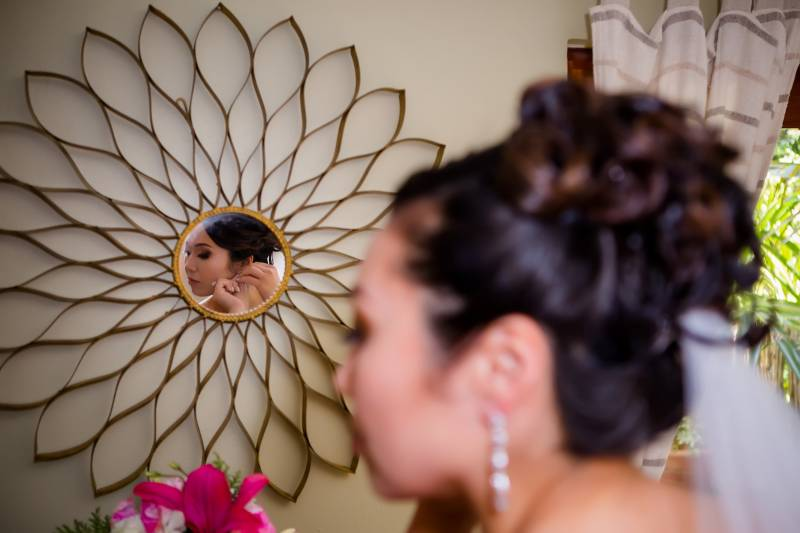 Creative bridal portrait: Belize destination wedding featured on Nashville Bride Guide