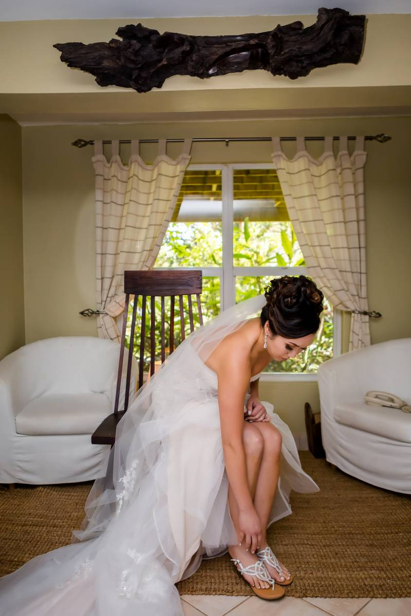 Bridal portrait: Belize destination wedding featured on Nashville Bride Guide