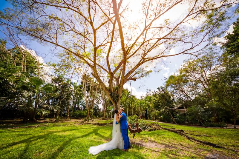 Creative wedding photography: Belize destination wedding featured on Nashville Bride Guide