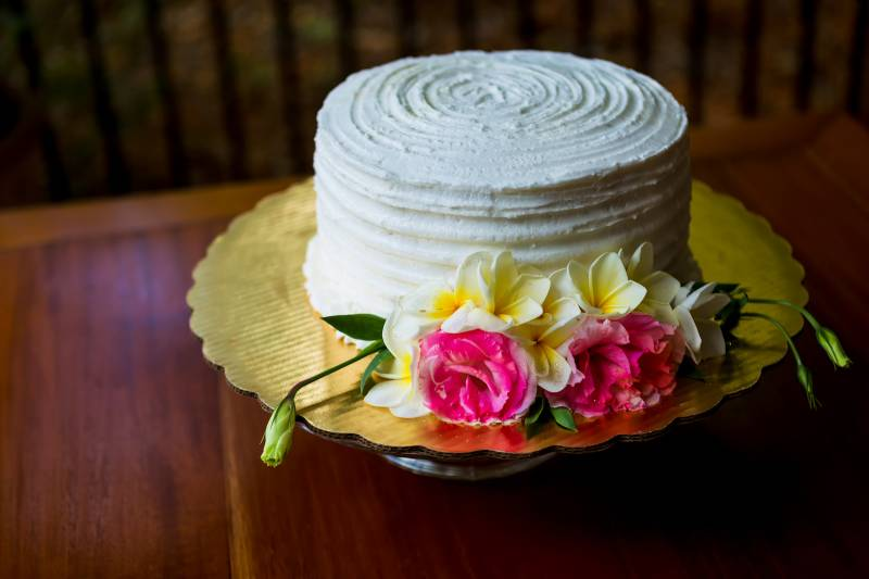 Simple wedding cake: Belize destination wedding featured on Nashville Bride Guide