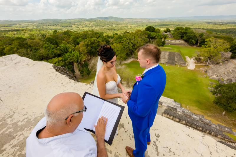 Belize wedding: Belize destination wedding featured on Nashville Bride Guide