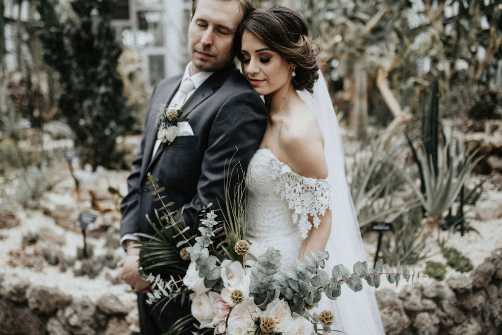 Meet Nashville wedding photographer Meghan Melia Photography on Nashville Bride Guide!
