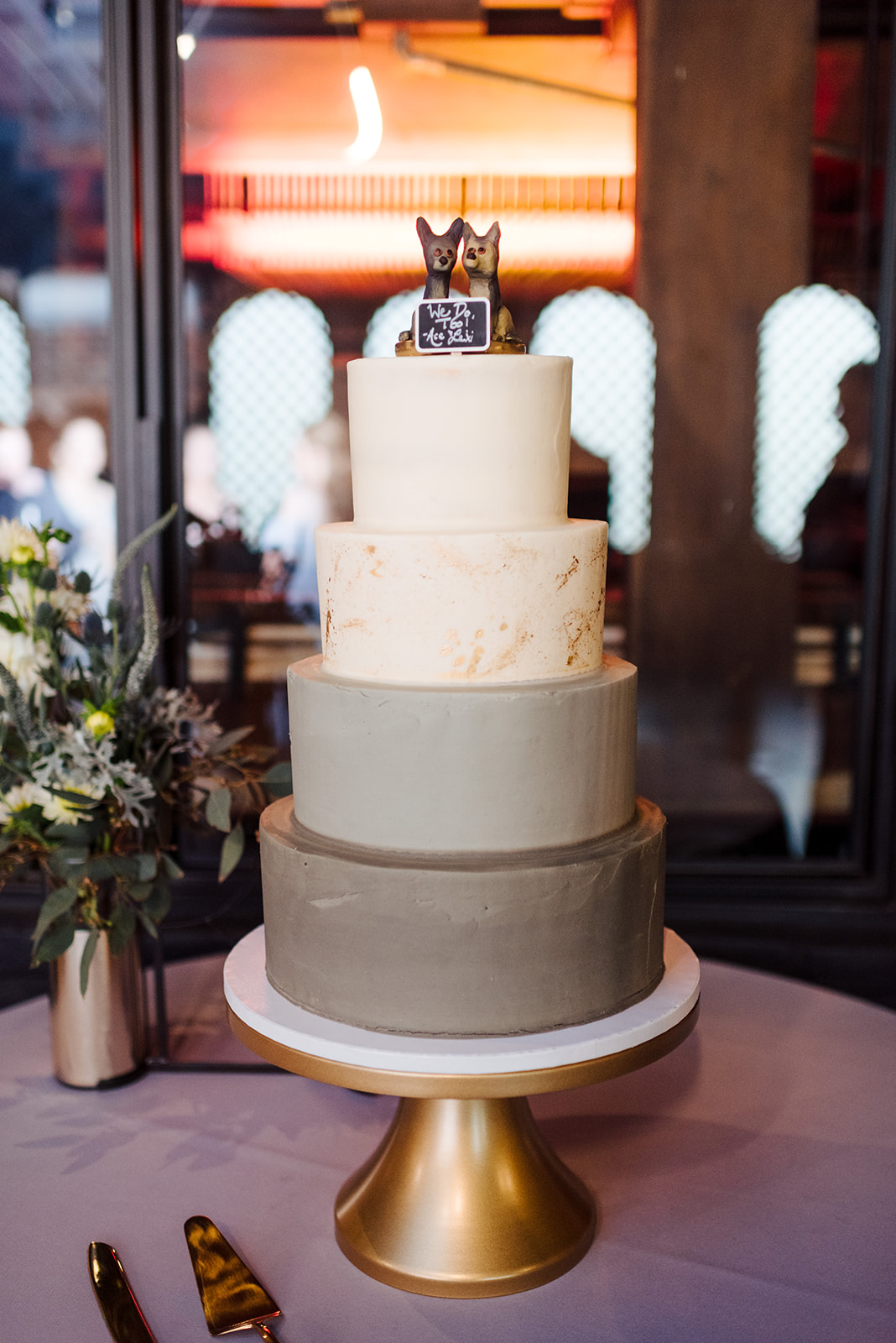 Monochromatic wedding cake: Nashville wedding at Clementine featured on Nashville Bride Guide