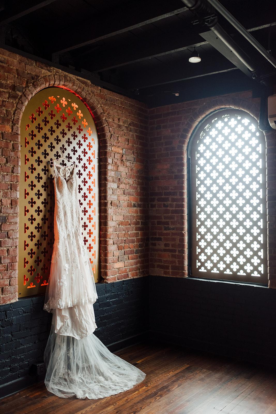 Wedding dress portrait: Nashville wedding at Clementine featured on Nashville Bride Guide