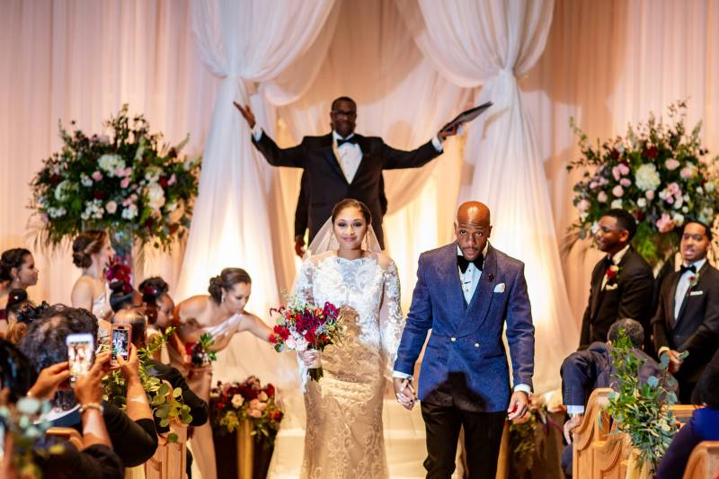 Wedding ceremony Nashville: Downtown Hilton Nashville wedding captured by Sharon Theresa Wheaton Photography featured on Nashville Bride Guide