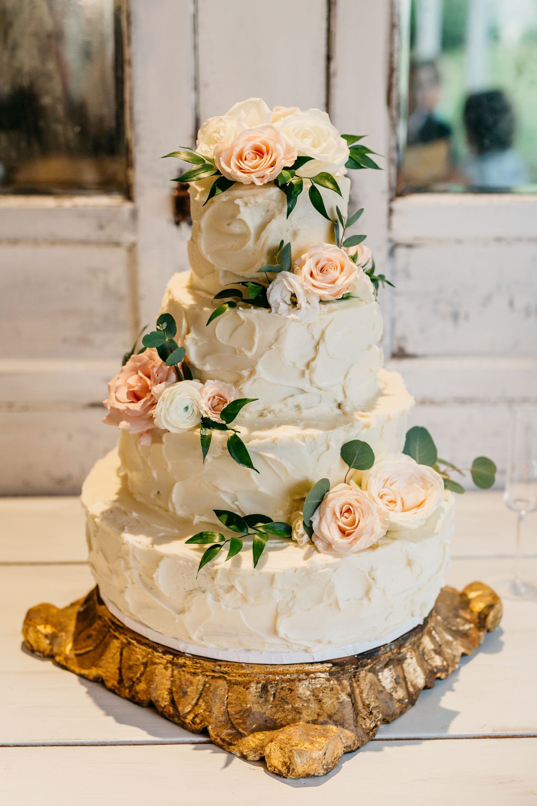 Wedding cake design: Rustic Front Porch Farms wedding featured on Nashville Bride Guide