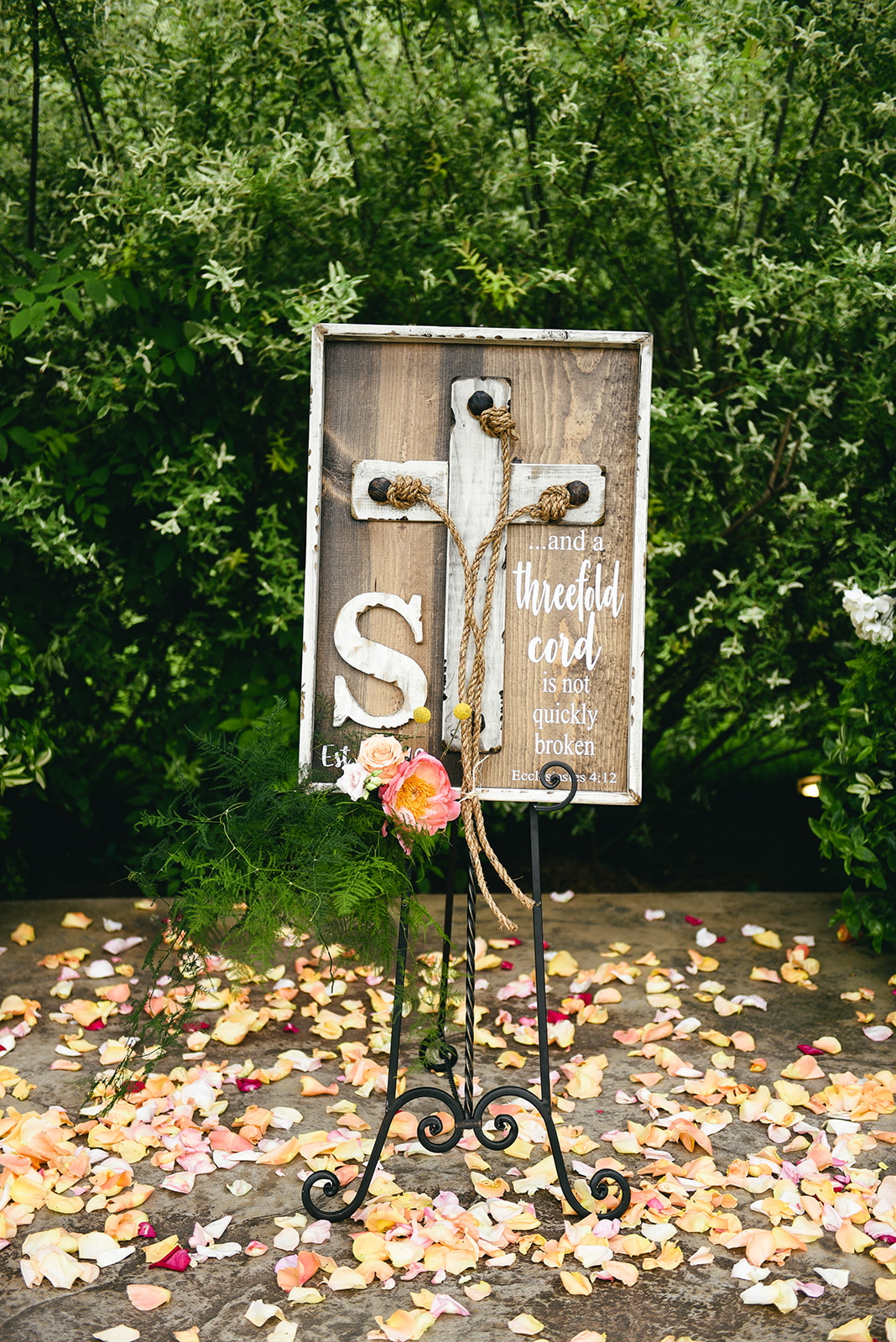 Wedding ceremony ideas: Elegant Cason Cove Wedding featured on Nashville Bride Guide