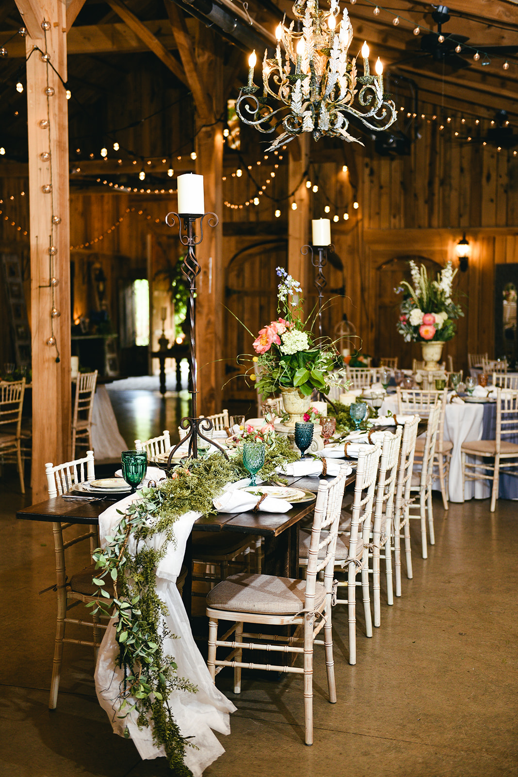 Wedding reception decor: Elegant Cason Cove Wedding featured on Nashville Bride Guide