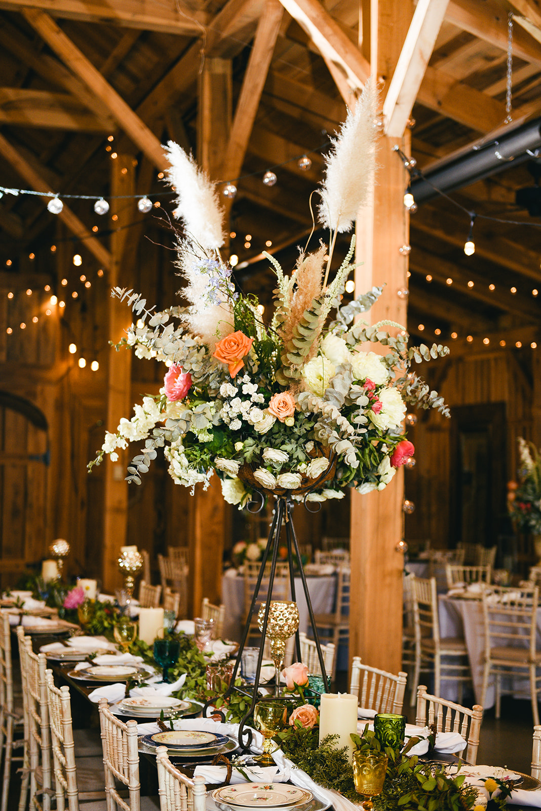 Tall wedding centerpieces: Elegant Cason Cove Wedding featured on Nashville Bride Guide