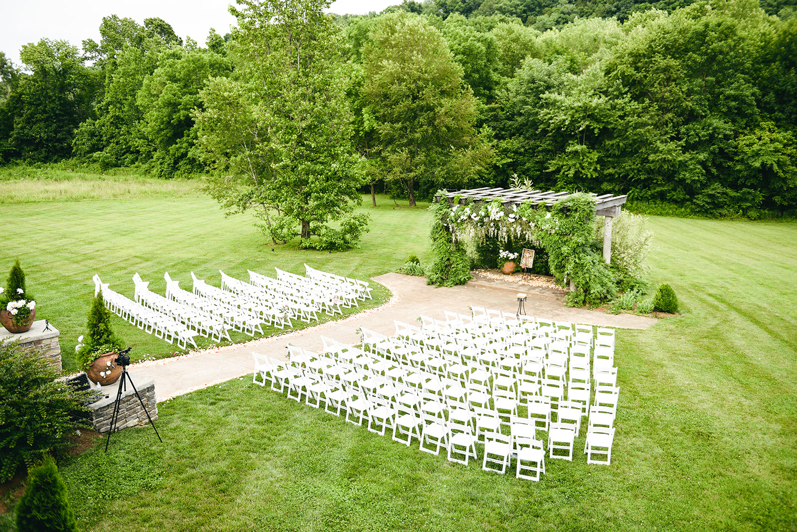 Outdoor wedding ceremony: Elegant Cason Cove Wedding featured on Nashville Bride Guide
