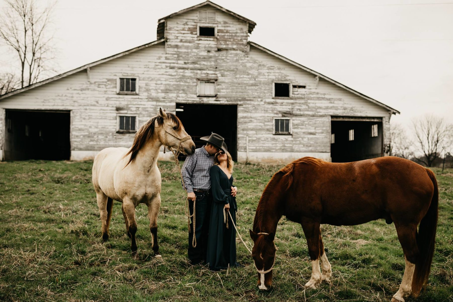 What to wear for your engagement photos by Bille Shaye Style Photography featured on Nashville Bride Guide