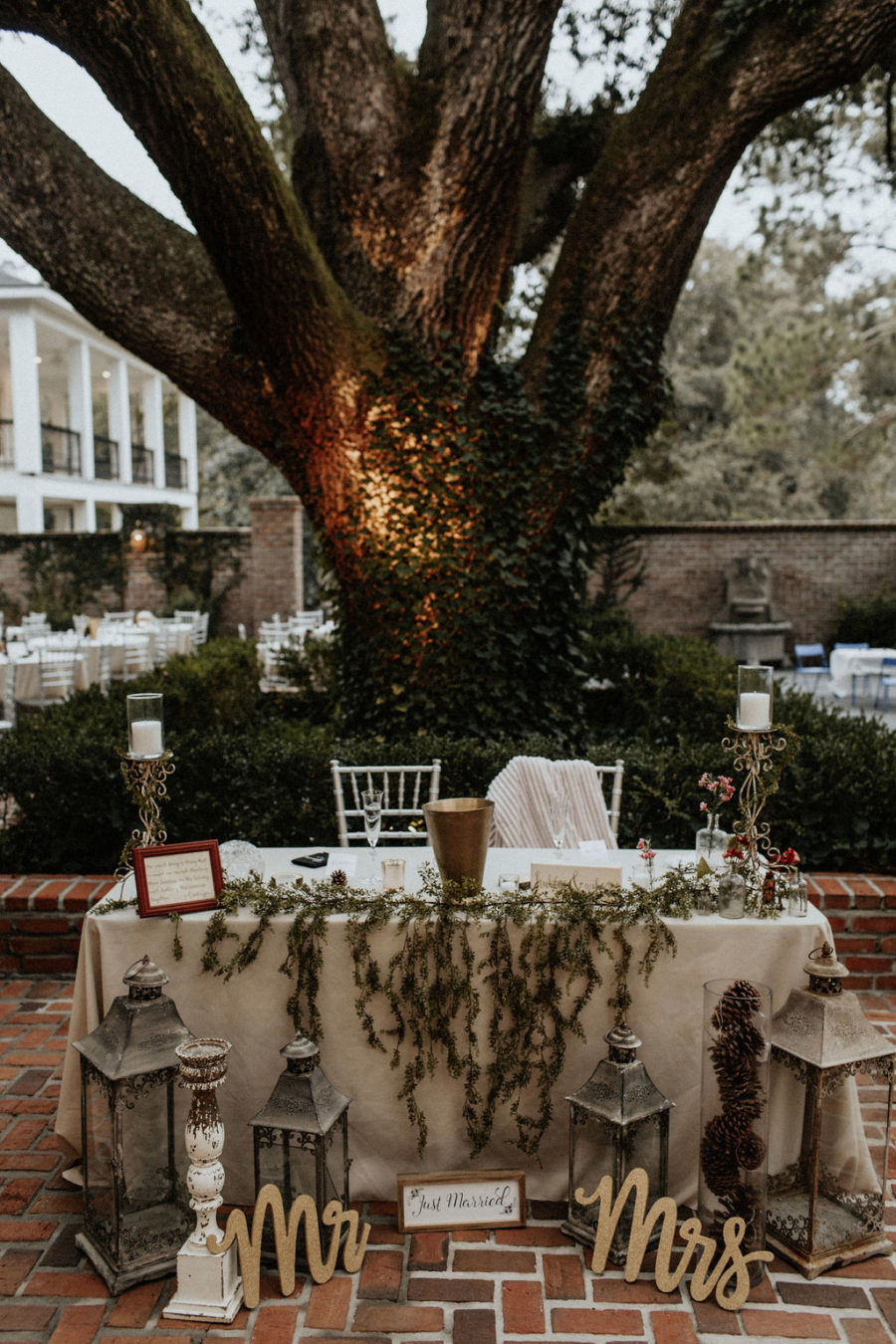 Wedding sweetheart table: Magical Winter Wedding by Meghan Melia Photography featured on Nashville Bride Guide!