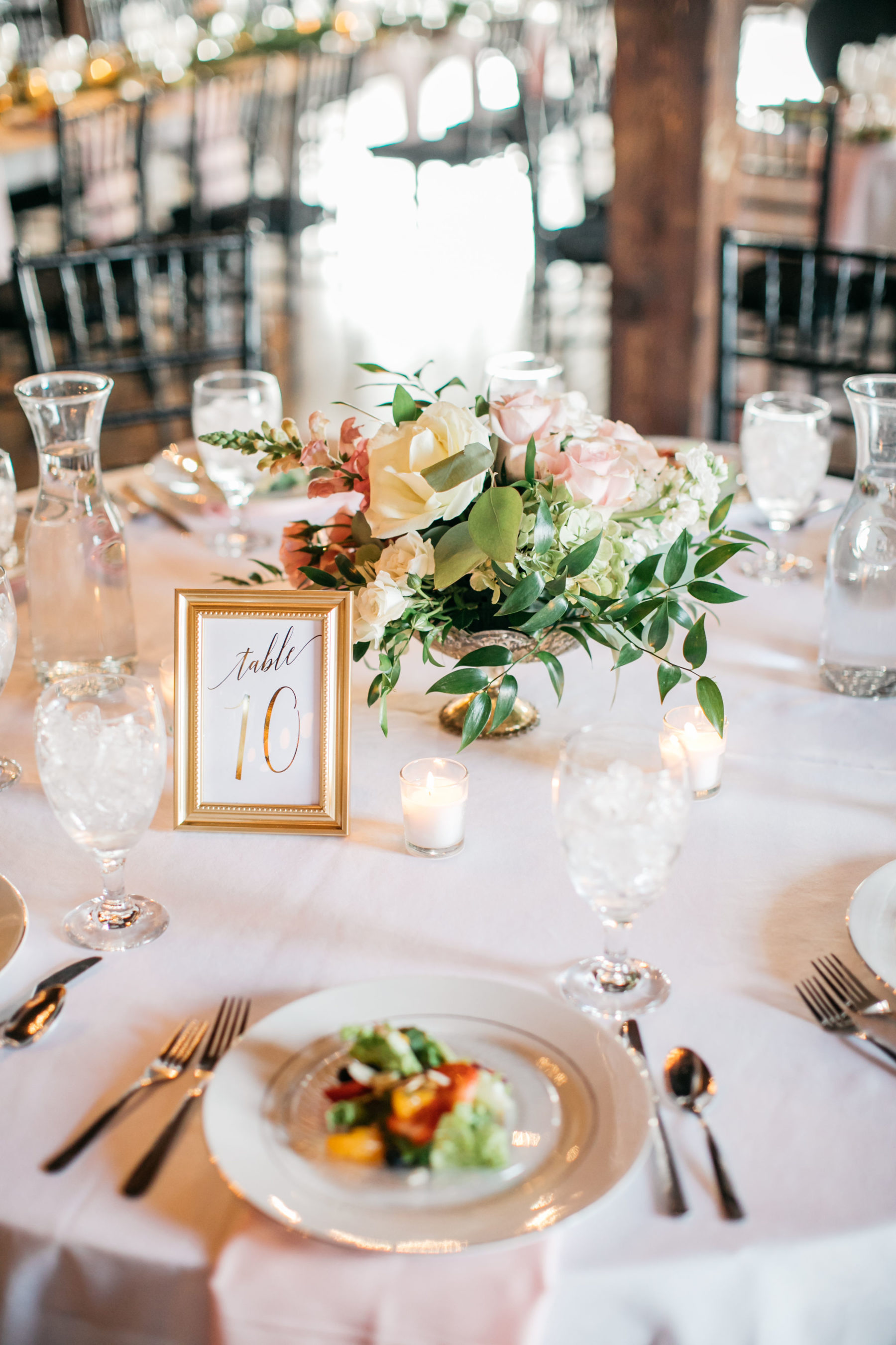 Pink wedding centerpieces: Simply Elegant Nashville Wedding captured by Meredith Teasley