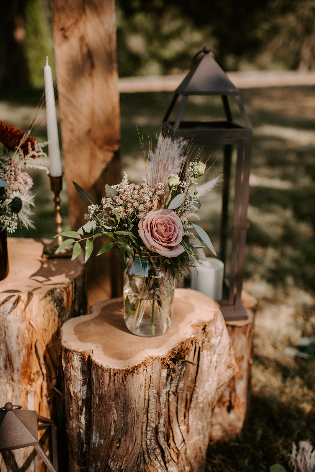 Rustic boho wedding decor for Cedermont Farm wedding featured on Nashville Bride Guide