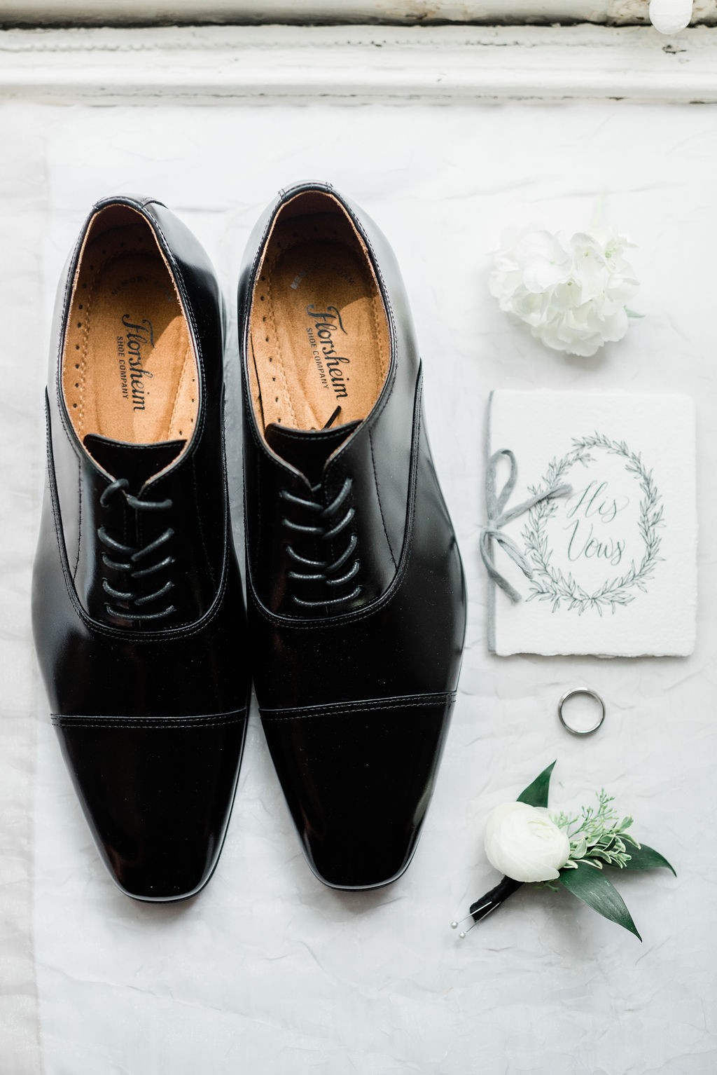 Grooms wedding shoes for Riverwood Mansion wedding captured by Maria Gloer Photography