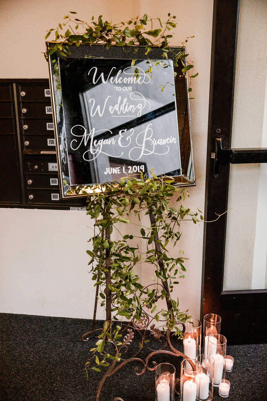 Wedding Welcome Sign: Bollywood Meets Traditional Wedding at The Bridge Building
