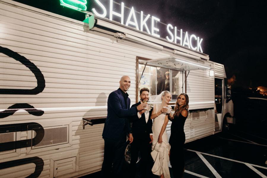 Shake Shack Wedding Food: Lauren & Chris Lane's 14 TENN wedding featured on Nashville Bride Guide