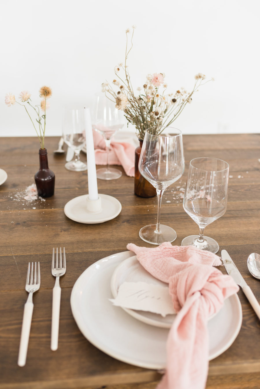 Wedding Table Decor: Organic Eco-Friendly Wedding Styled Shoot featured on Nashville Bride Guide