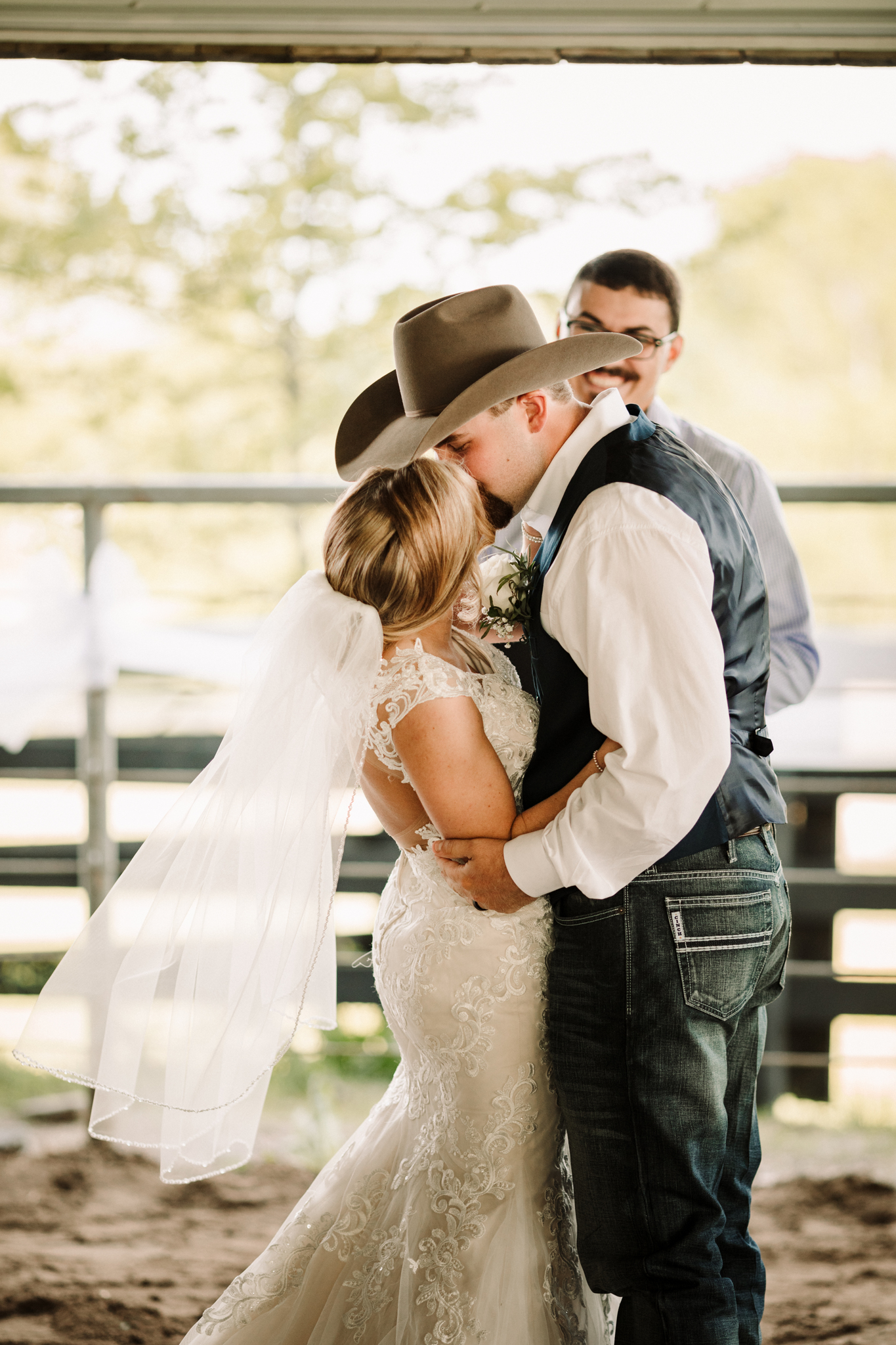 Minimalistic Barn Wedding featured on Nashville Bride Guide