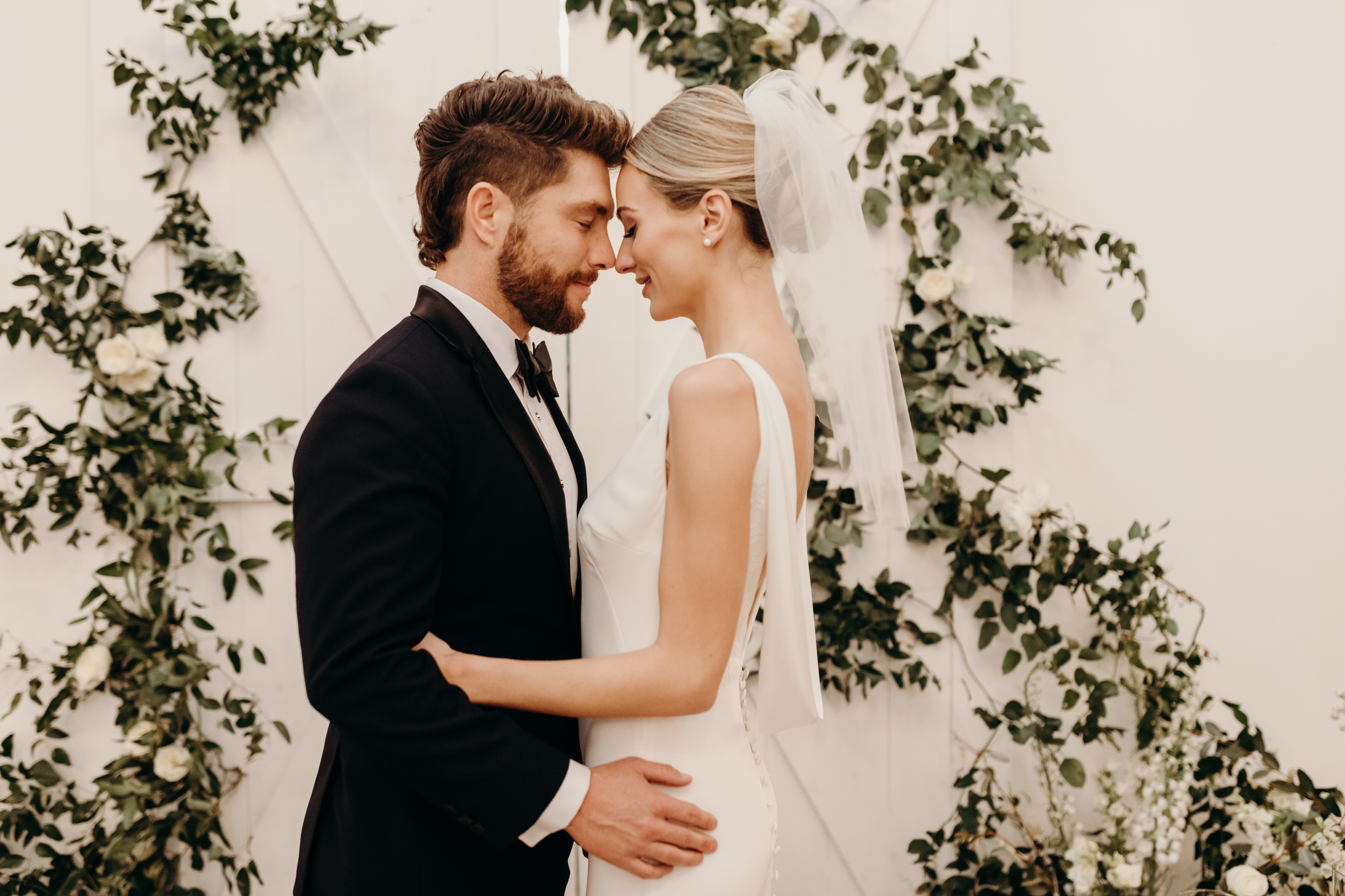 Lauren Bushnell and Chris Lane Nashville Wedding captured by Victoria Bonvinci