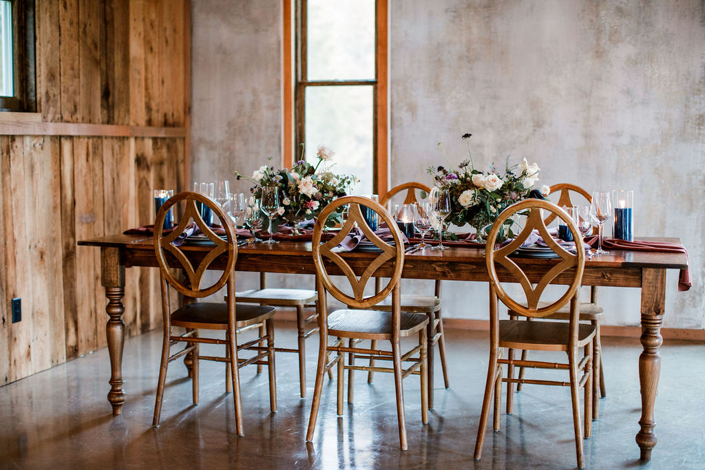 Modern barn wedding inspiration: Moody Spring Styled Shoot and Cedarmont Farm featured on Nashville Bride Guide