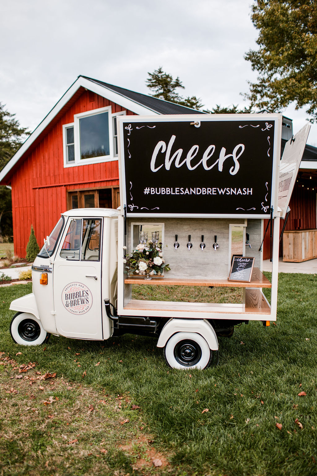 Bubbles and Brews Nashville mobile wedding bar: Moody Spring Styled Shoot and Cedarmont Farm featured on Nashville Bride Guide