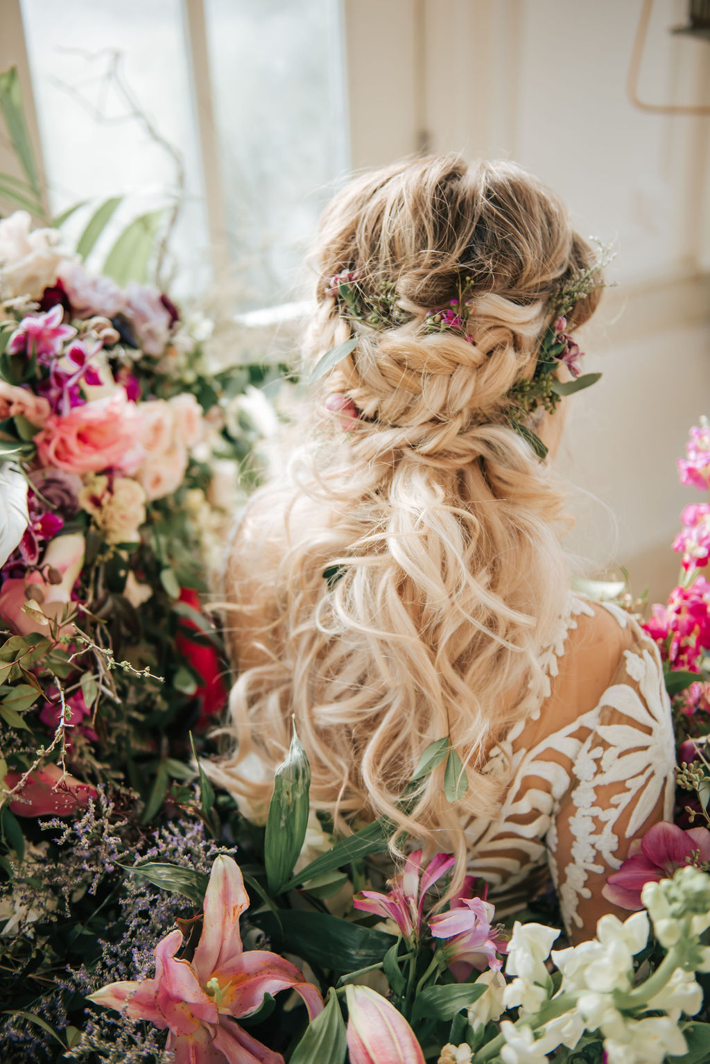 Mansion and Marsh Floral Design featured on Nashville Bride Guide