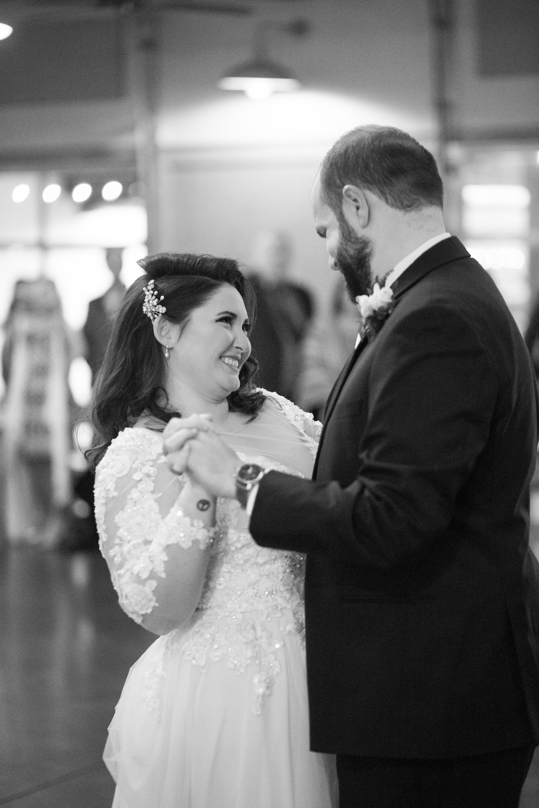 Tennessee Barn Wedding captured by Sara Grace Photography on Nashville Bride Guide