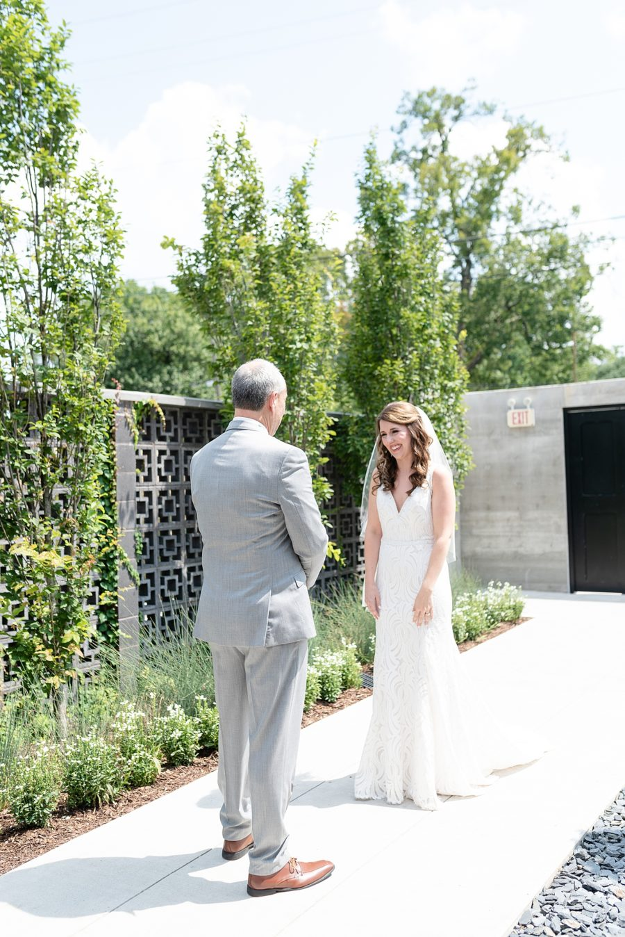 Father Daughter First Look: Dolly Delong Photography featured on Nashville Bride Guide