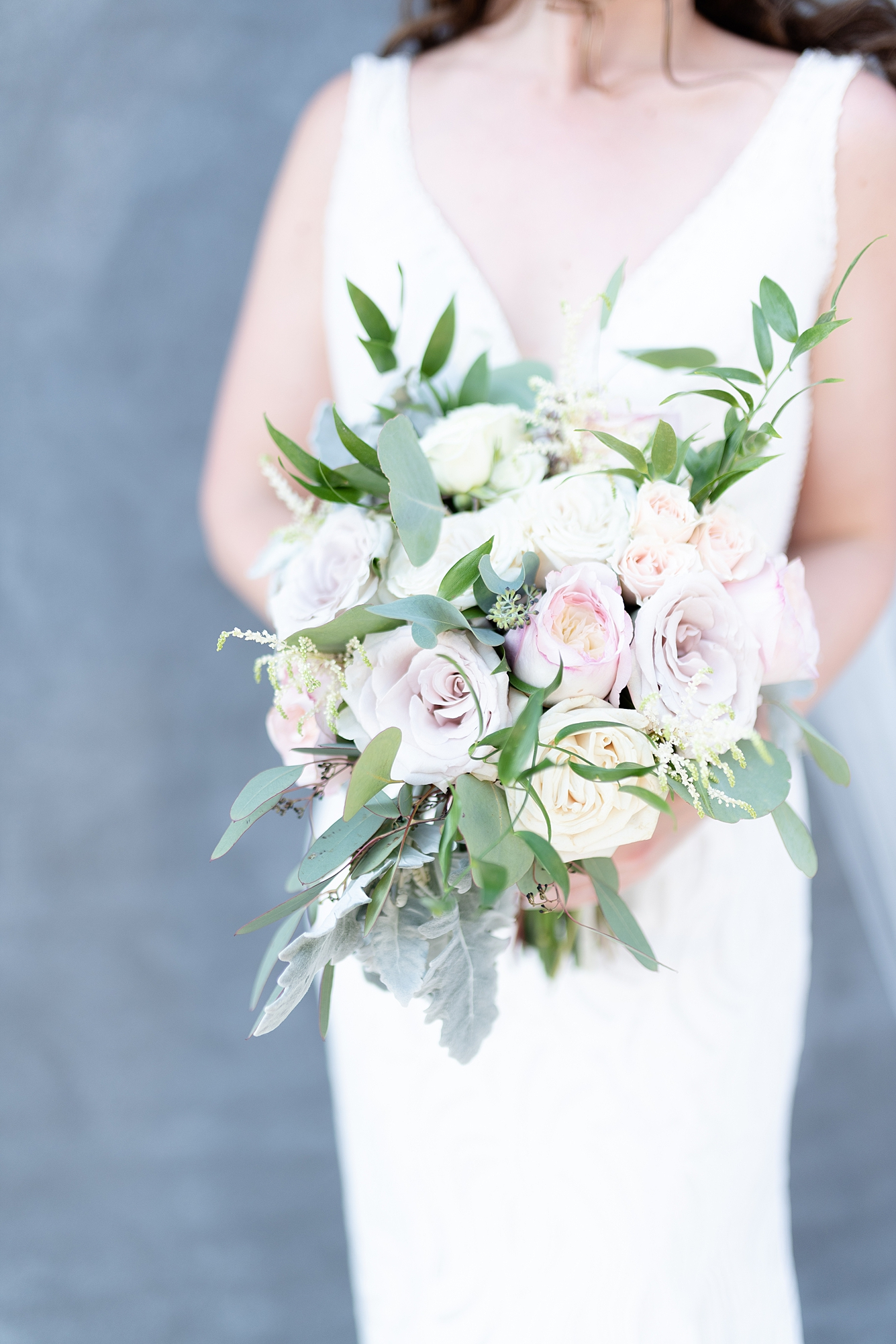 Wedding Bouquet: Dolly Delong Photography featured on Nashville Bride Guide