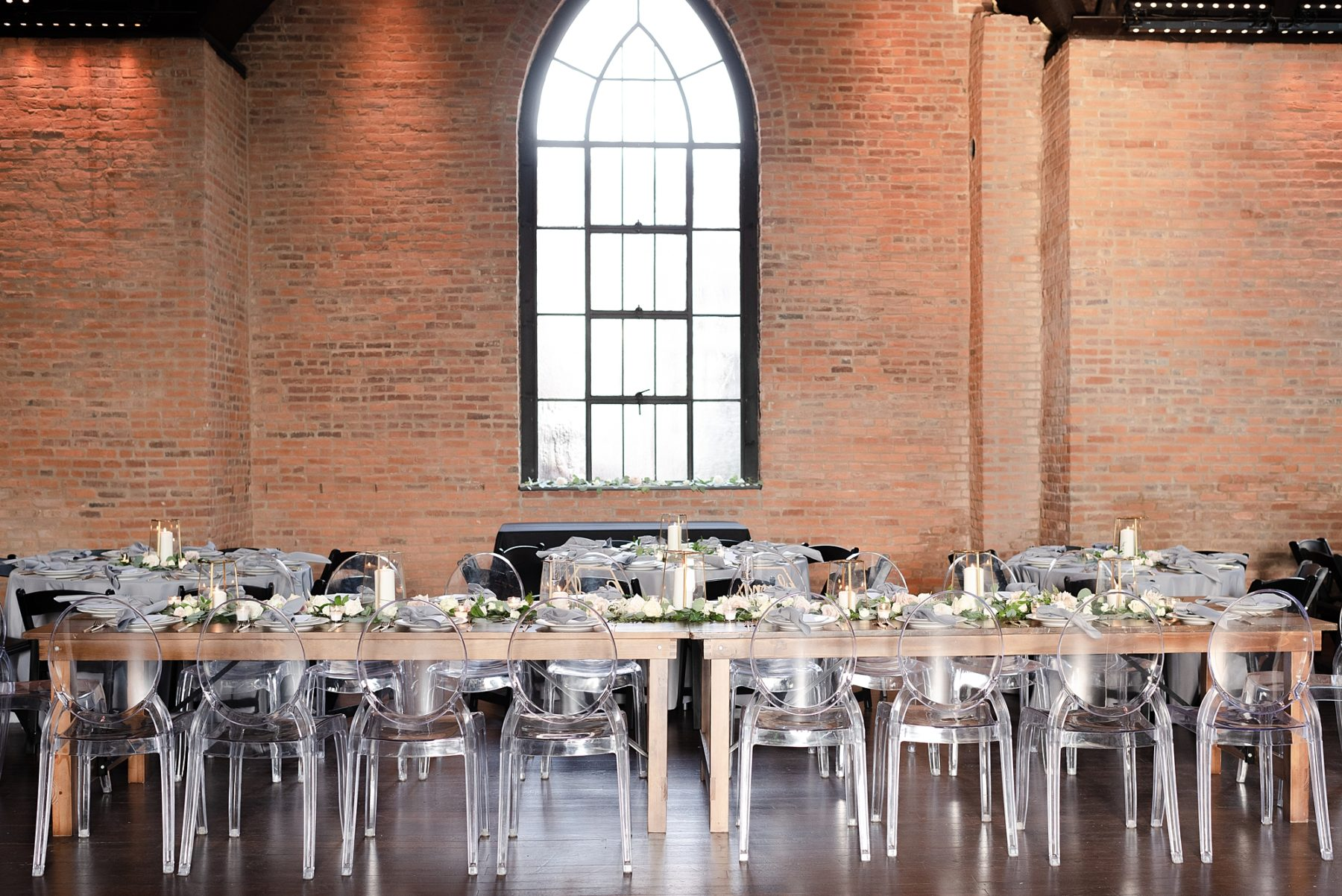 Wedding Tablescape: Modern and Southern Wedding at the Clementine featured on Nashville Bride Guide
