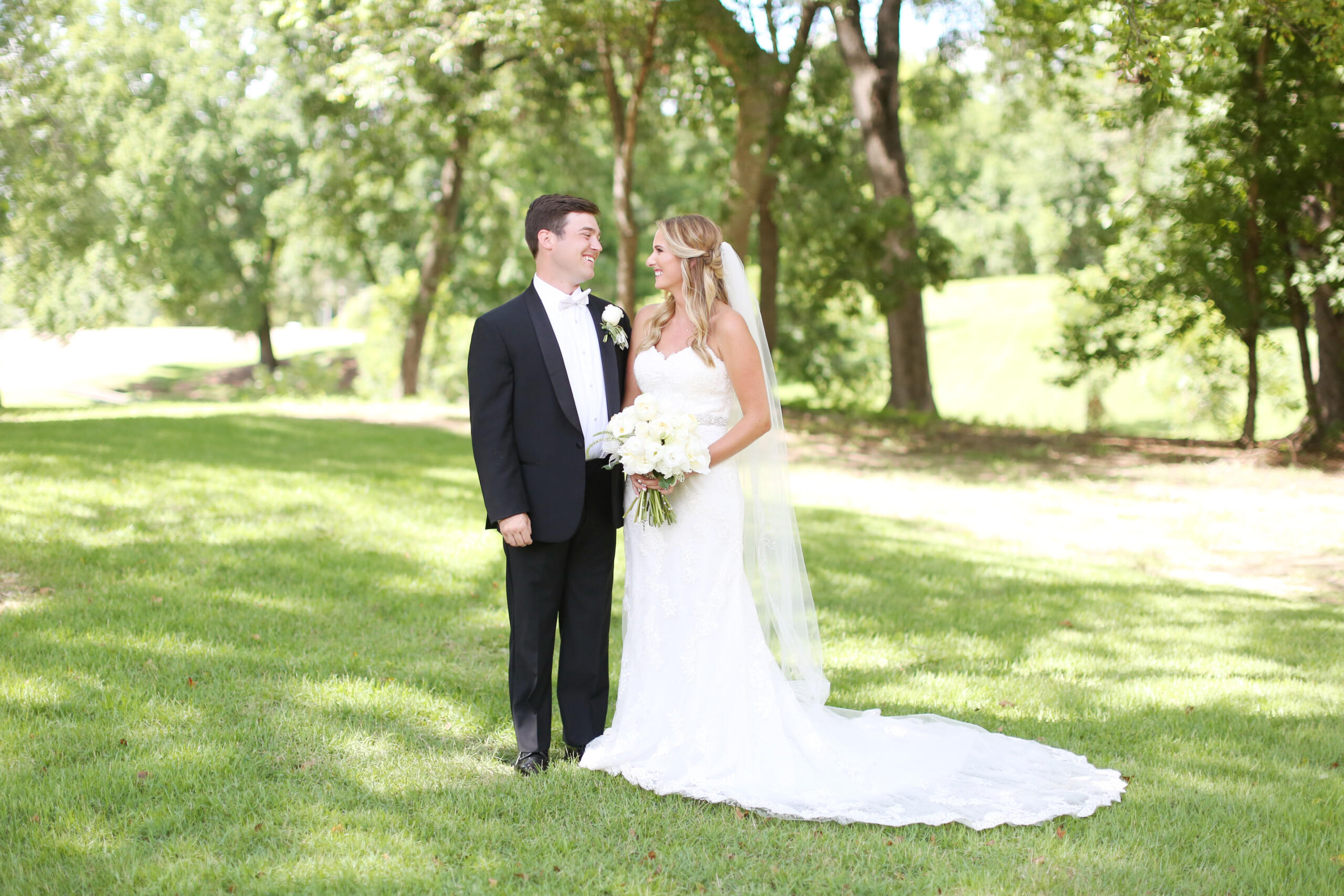 Eliza Kennard Wedding Photography featured on Nashville Bride Guide