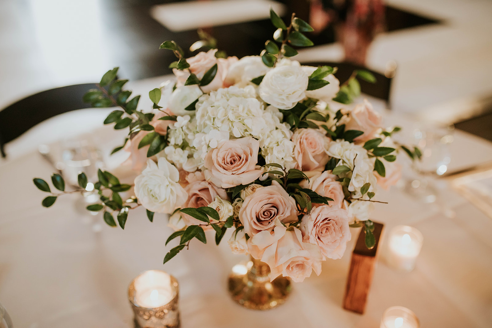 Soft Pink Clementine Hall Wedding featured on Nashville Bride Guide