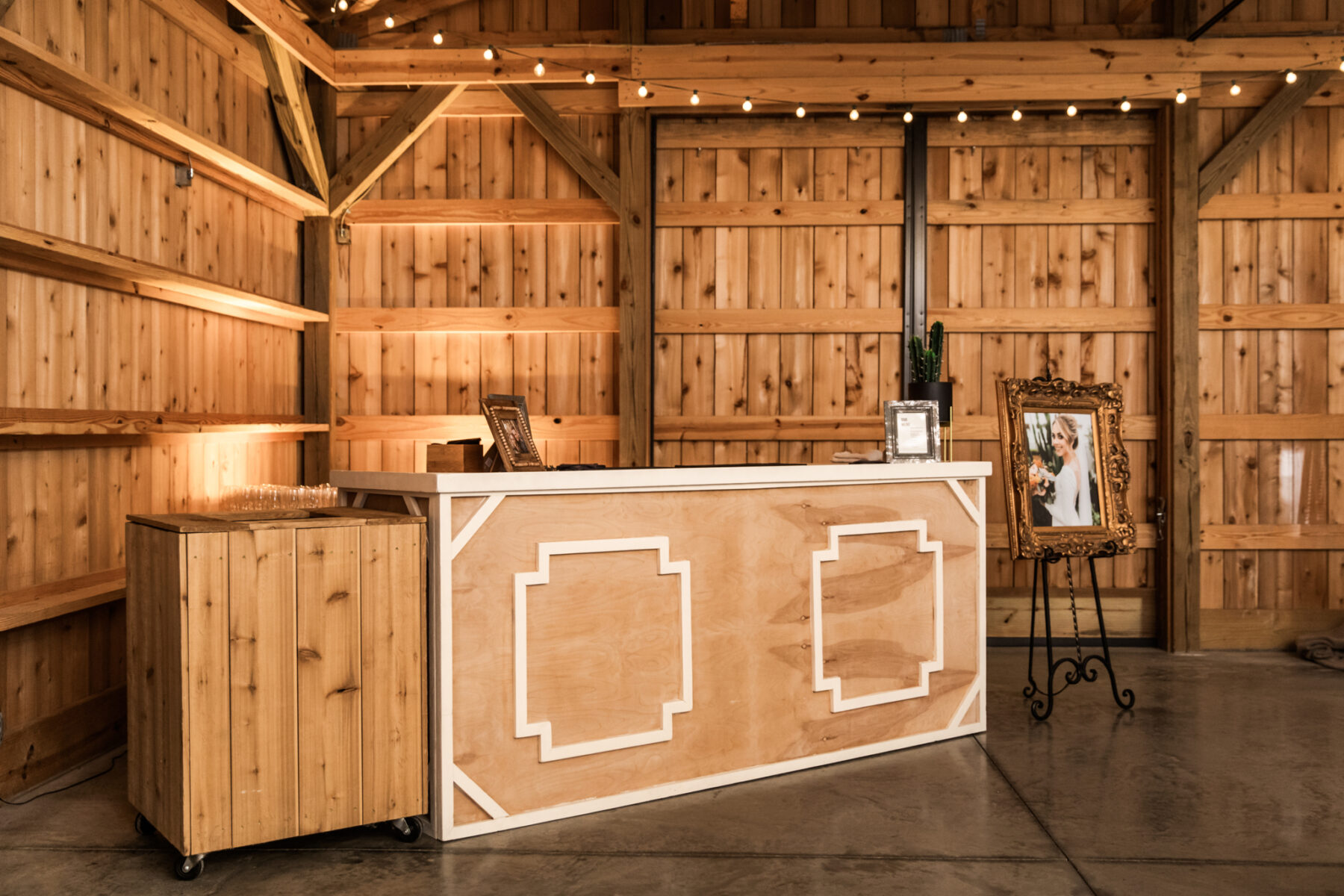 Wedding bar inspiration: Western Inspired Wedding by Laurie D'Anne Events featured on Nashville Bride Guide