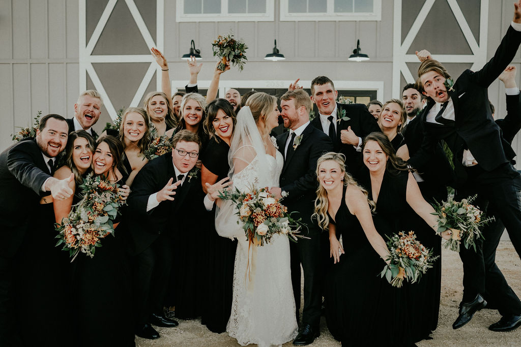 Wedding party portrait: Glenai Gilbert Photography featured on Nashville Bride Guide
