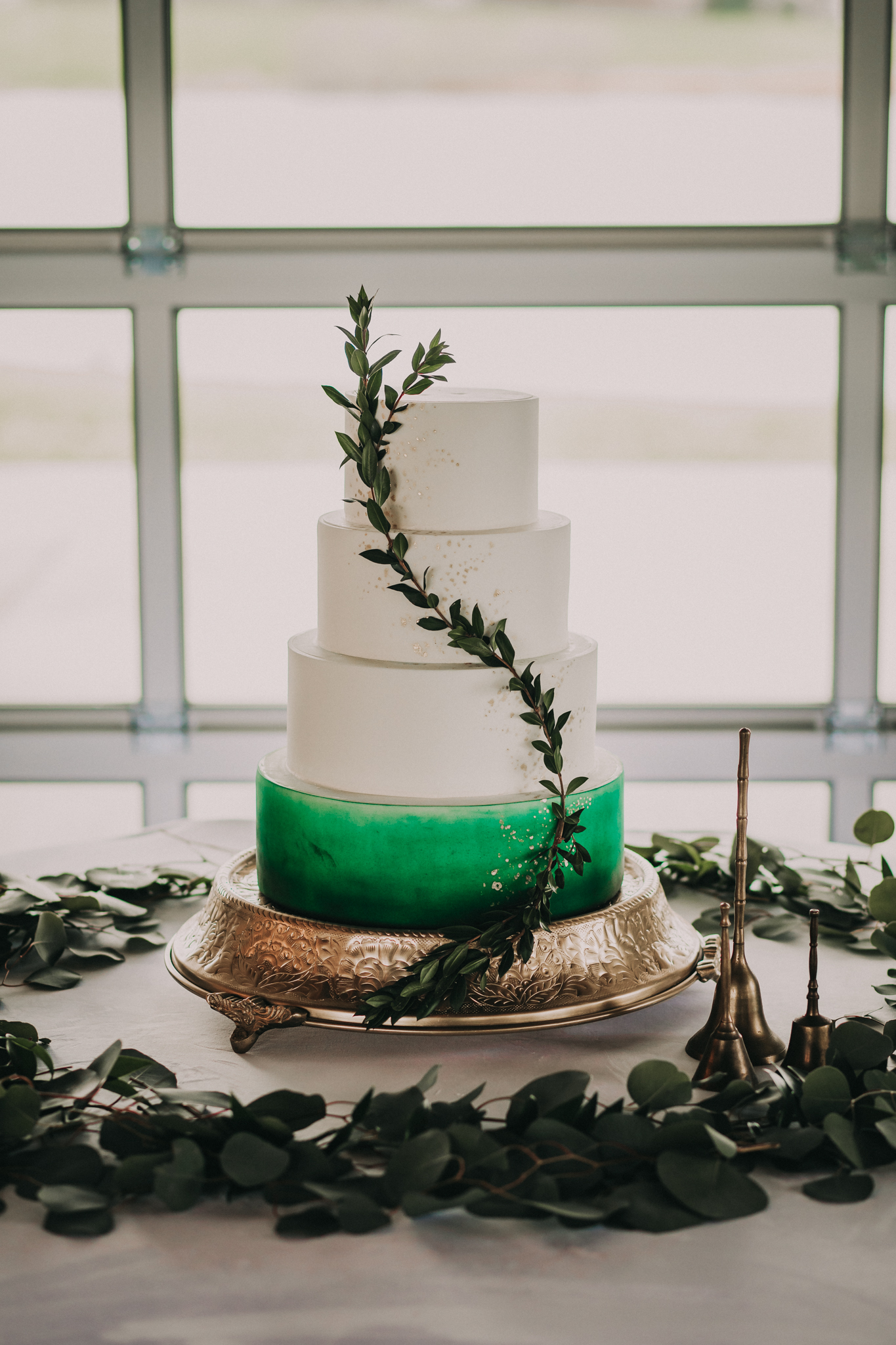 Greenery wedding cake design: Shades of Green Legacy Styled Shoot by Music City Events and Billie-Shaye Style featured on Nashville Bride Guide