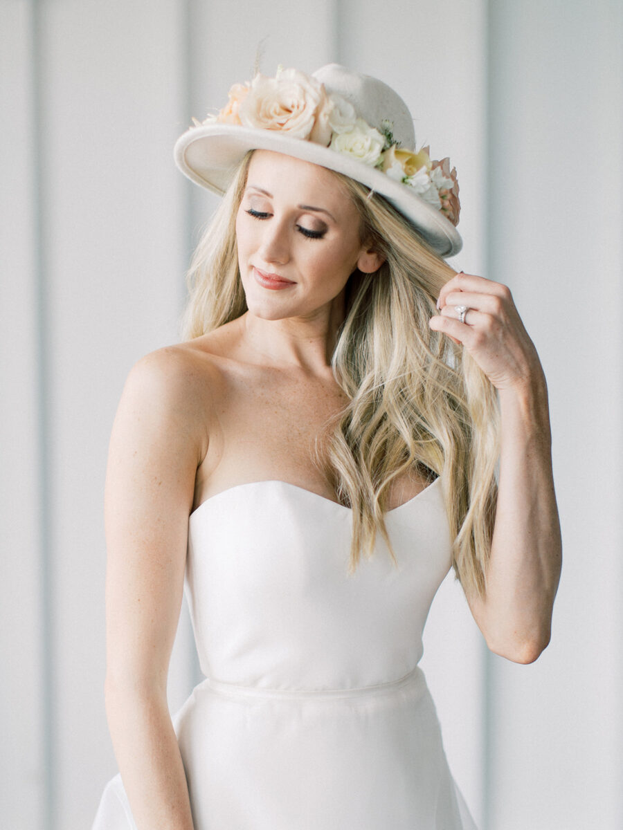 Bridal accessories: Clean & Modern Styled Shoot at 14TENN featured on Nashville Bride Guide