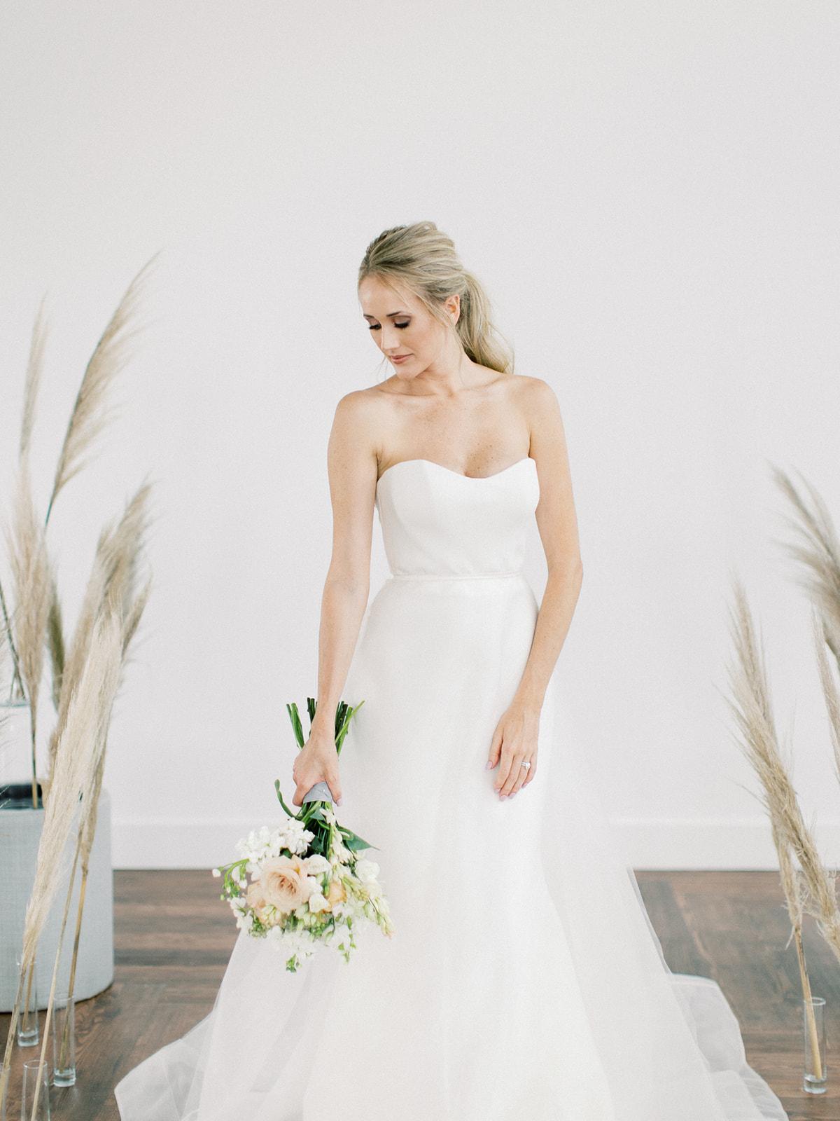 Wedding dress inspiration: Clean & Modern Styled Shoot at 14TENN featured on Nashville Bride Guide