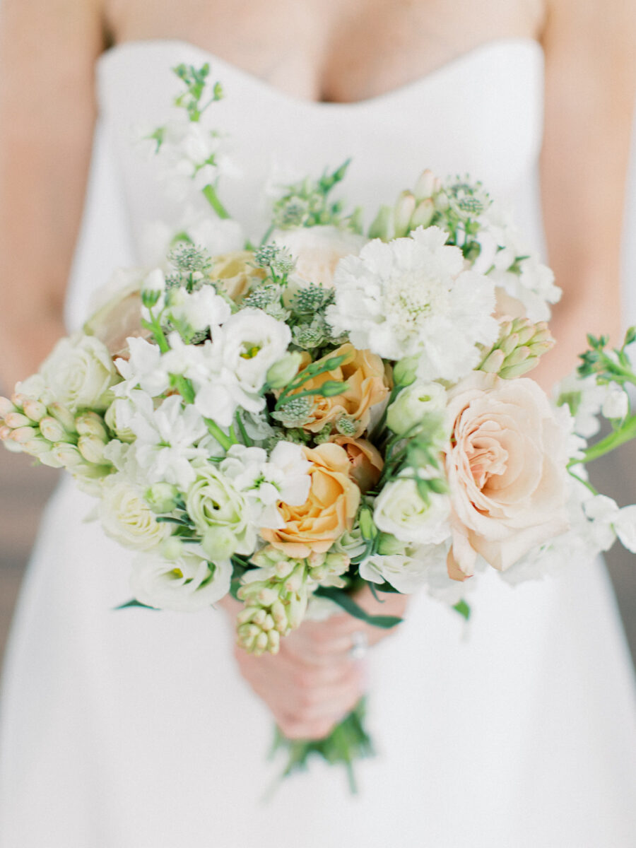 Wedding bouquet inspiration: Clean & Modern Styled Shoot at 14TENN featured on Nashville Bride Guide