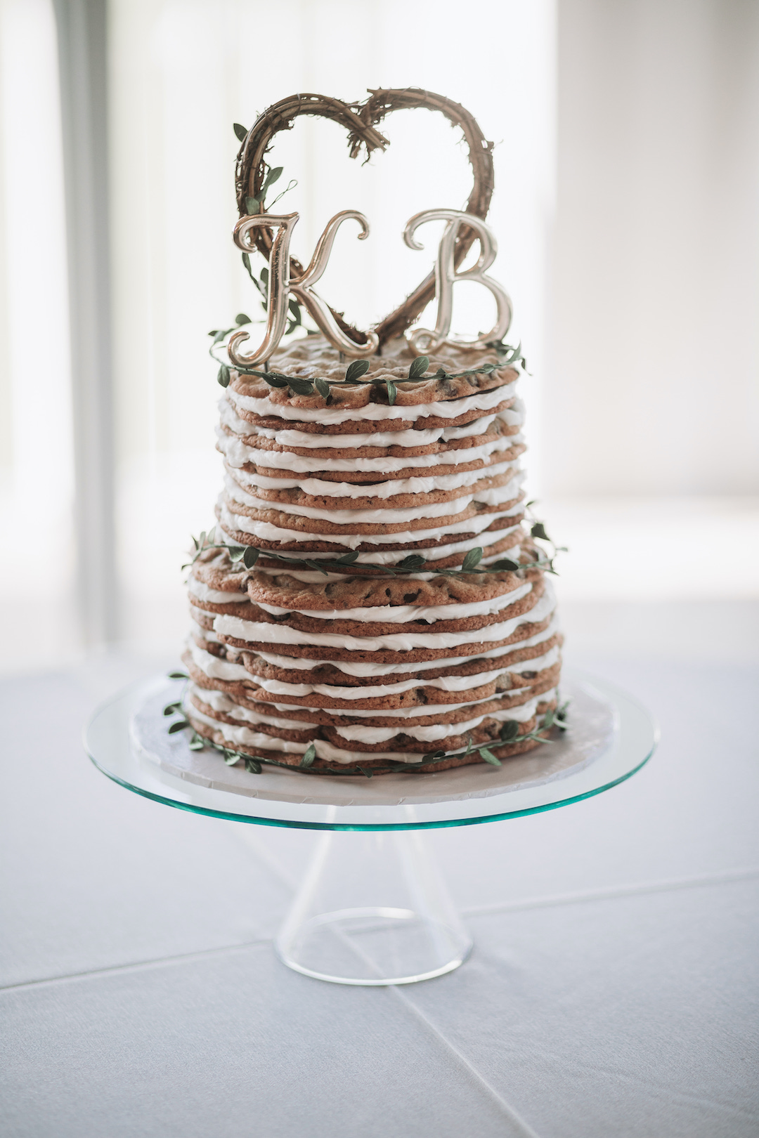 Naked wedding cake: Romantic Country Club Soiree by Juniper Weddings featured on Nashville Bride Guide